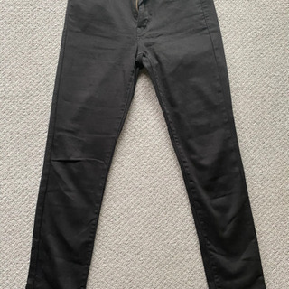ユニクロ 黒ジーンズ23インチ(58.5cm)