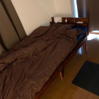 コンセントつきベッドフレーム