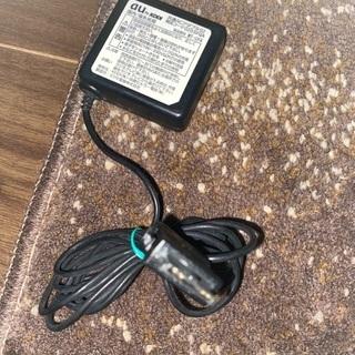 AU 充電器/ACアダプター
