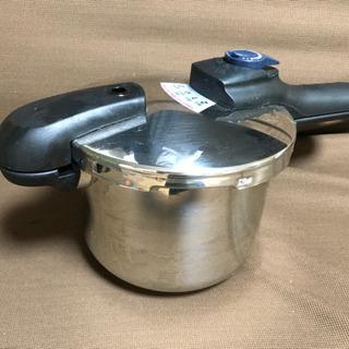 【無償でお譲りします】PRESSURE COOKER 圧力鍋