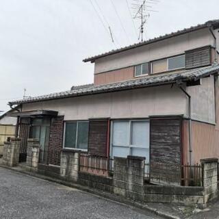 【初期費用0円で入居可】駐車スペース4台ついた戸建物件