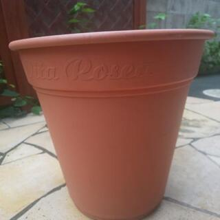 【あげます】美品 未使用に近い プラ植木鉢 17L12号 直径3...