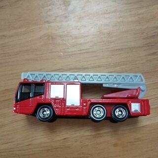 決定 トミカ 消防車