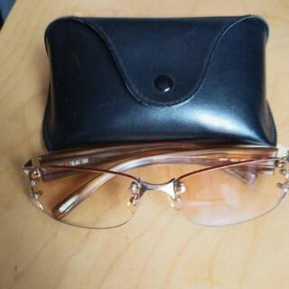 レイバンのサングラスです