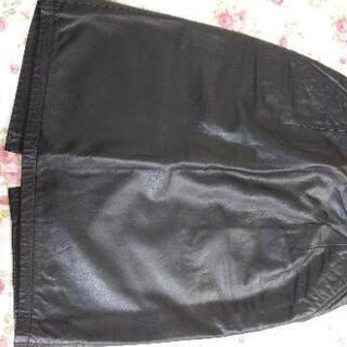本革黒のスカート レザー