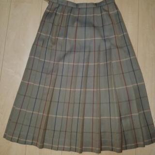 バーバリー ベストとスカートお譲りします。