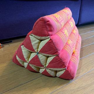 タイ製 三角まくら