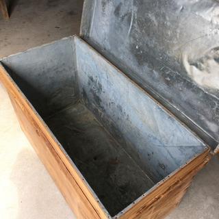 トタン貼り 木の箱 45✖️90 高さ53センチ