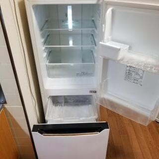 【急ぎの為、値下げ】2ドア 冷凍冷蔵庫  2014年製  容量150L  ハイセンス   - 彦根市