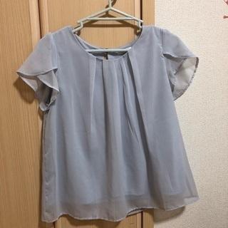 Honeysの綺麗め半袖Tシャツ