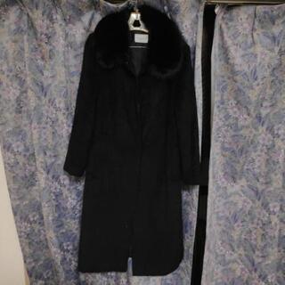 フォックスカラー付黒のレディースコート
