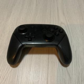 任天堂Switchのプロコントローラー