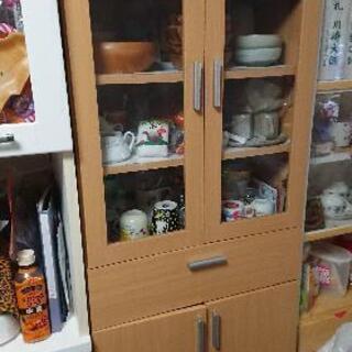木目調食器棚