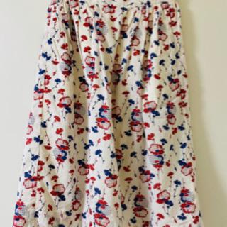 ユニクロ 花柄スカート 膝下