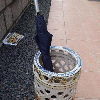 陶器の花柄傘立て