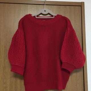 GU 赤ニットセーター Mサイズ