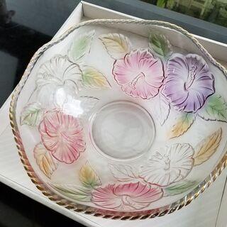 新品未使用 ガラス食器・ガラスボールと大皿ガラス 花柄 - 生活雑貨