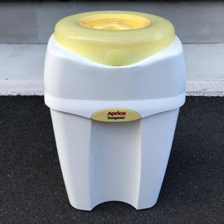 オムツの防臭ゴミ箱