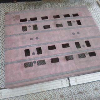 パレット 樹脂パレット 1.1×0.9 厚み14cm 在庫…