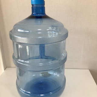 ウォーターディスペンサー用の水容器