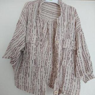 女性用 シャツ 丈短めで軽くて着やすいです!