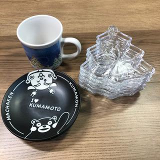 くまモンの小鉢2つ クリスマスのマグカップ1つ もみの木のガラス...