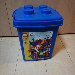 青いバケツのみです。レゴは入ってません。