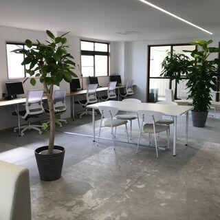 建築家西沢立衛氏 監修による小規模オフィス 家具・複合機付き 三...