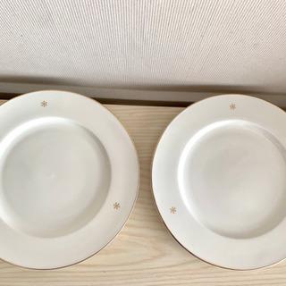 お洒落な白いお皿 2枚 未使用