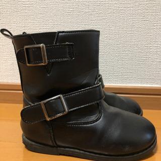 18cm 黒色ブーツ − 高知県