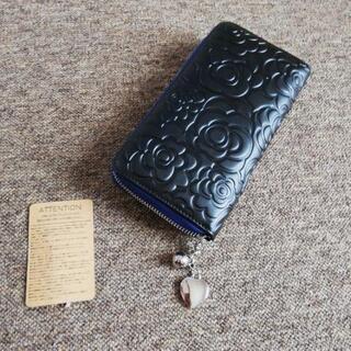 収納◎お洒落デイジーカメリア柄財布革皮黒色長財布