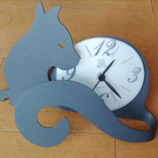 美品★イタリアのデザイナーが作った重厚感のあるアイアン置時計