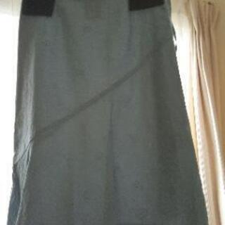 スカート(水色、透かし花柄、9号)