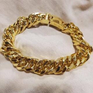 ゴールドのブレスレット