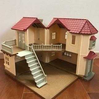 〈シルバニア〉赤い屋根の大きなお家