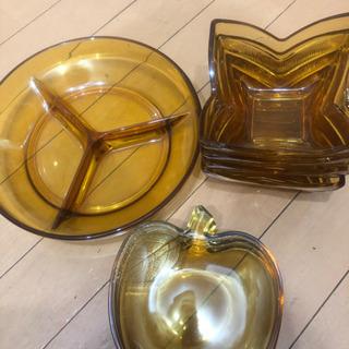 茶色の硝子の器3種類
