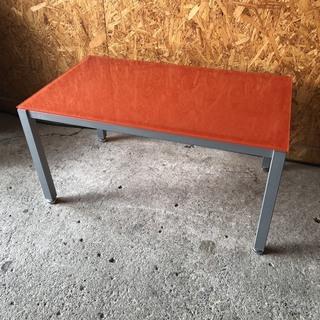B2604 オレンジ ガラステーブル