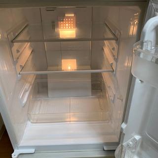 【現在取引中】古い冷蔵庫ですが、普通に使えます。 - 京都市