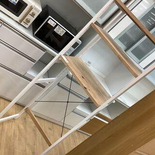 キッチン周りの収納に!お洒落なデザインのキッチンラックです!