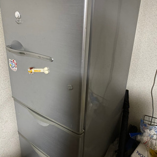 AQUA ノンフロン冷蔵庫3ドアあげます。