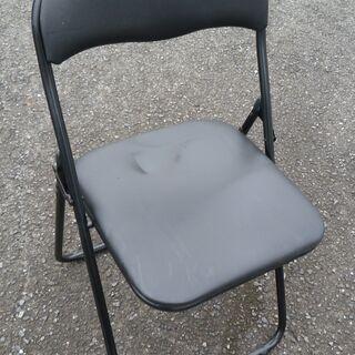 値下げ・ニトリ  折りたたみチェア(パイプ椅子)・黒
