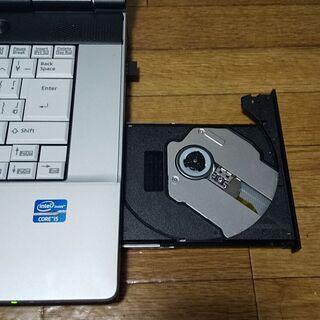 富士通 高性能第二世代Core i5搭載 メモリ 4G SSD240G DVD読み書き Wifi対応 大画面 15.6インチ HDMI出力 最新Windows10搭載 代引き可能 - 北九州市