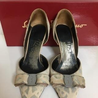 フェラガモ 靴 パンプス