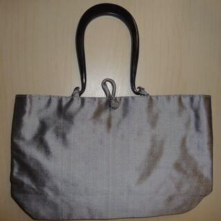 (未使用)ハンドメイドのバッグ(ベトナムシルク)