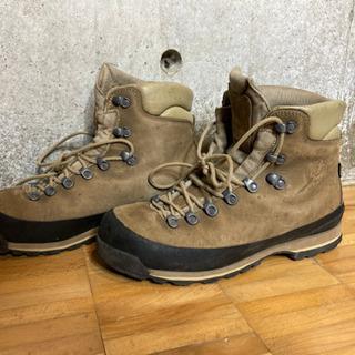 【ネット決済・配送可】AKU登山靴 革製 ジャスパーGTX uk8.5