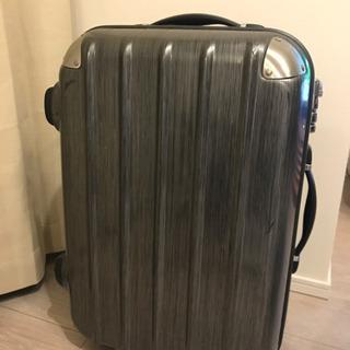 【取りに来ていただける方】黒スーツケースの画像