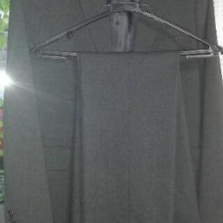 女性用ユニクロパンツスーツ(美品) サイズM
