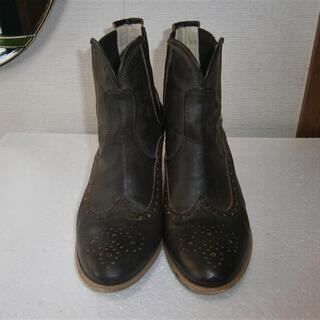 ダークブラウン色のショートブーツ Lサイズ