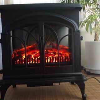 ニトリ ワイド暖炉型ファンヒーターBK18