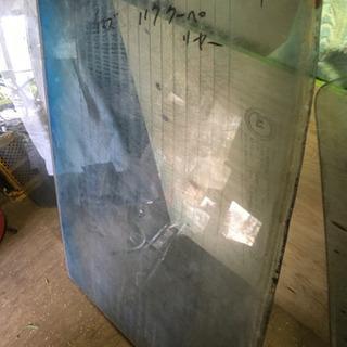 イスズ117量産丸目型リヤーガラス【希少品】
